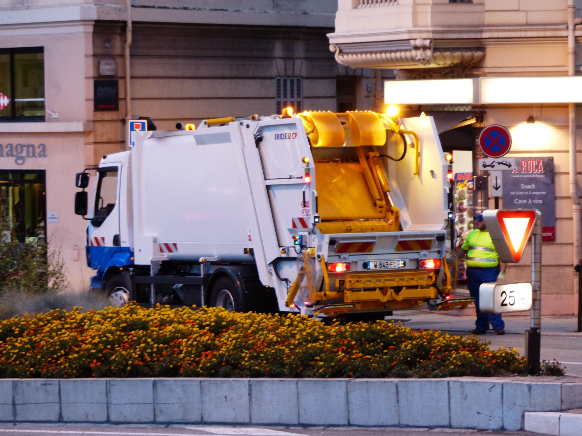How to Clean Heavy Duty Equipment